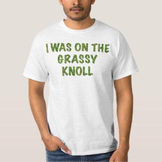 Estaba en la loma herbosa camiseta