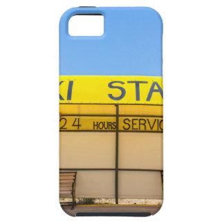Estación amarilla del taxi en la costa en Grecia Funda Para iPhone SE/5/5s