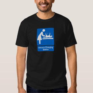 Estación cambiante del unicornio camisetas