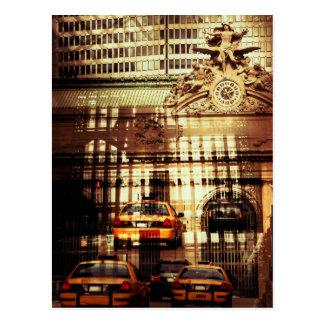 Estación central magnífica, collage con el taxi postal