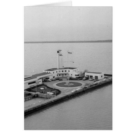 Estación de guardacostas en la isla del whisky tarjeta de felicitación