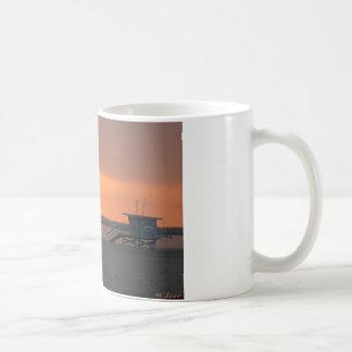 Estación de la puesta del sol por M. Izzo - las me Taza De Café