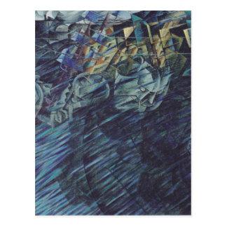 Estados de ánimo: Los que van por Umberto Boccioni Postal