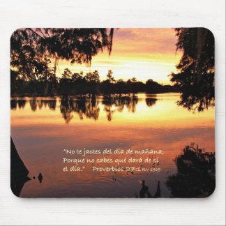 Estafa Puesta del Sol de Proverbios 27-1 Alfombrilla De Ratón