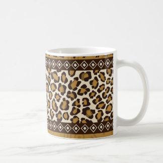 Estampado leopardo y animales africanos taza básica blanca