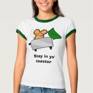 Estancia en tostadora del yo camisetas