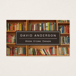 Estante elegante del dueño de librería de la tarjeta de negocios