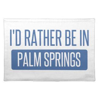 Estaría bastante en Palm Springs Salvamanteles
