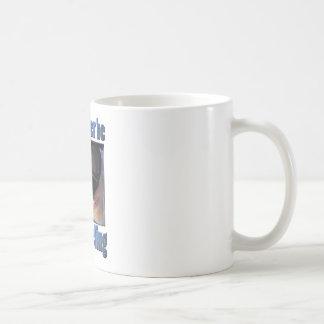 Estaría buceando bastante tazas de café