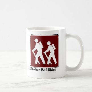 Estaría caminando bastante la taza de café