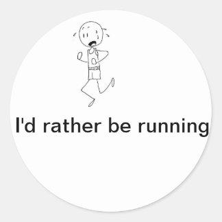 Estaría corriendo bastante pegatina redonda