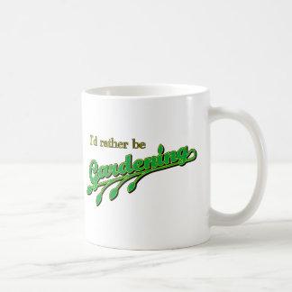 Estaría cultivando un huerto bastante tazas de café