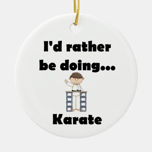 Estaría haciendo bastante karate ornamento de reyes magos