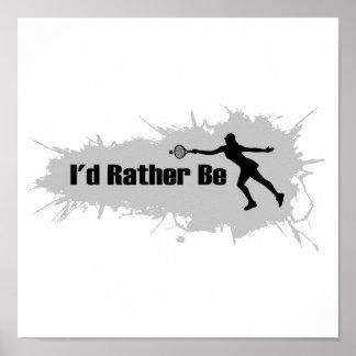 Estaría jugando bastante al tenis (femenino) póster
