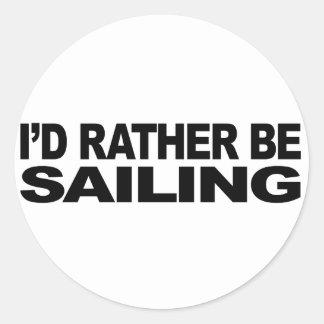 Estaría navegando bastante pegatina redonda
