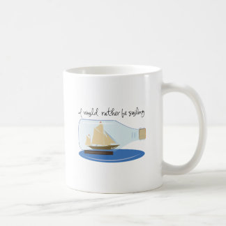 Estaría navegando bastante taza de café