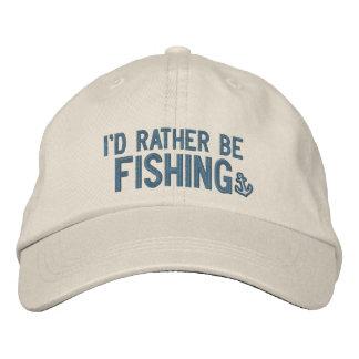 Estaría pescando bastante gorra de beisbol