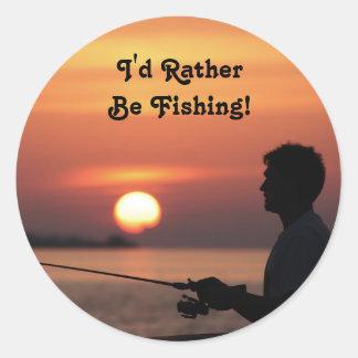 Estaría pescando bastante, pegatina de la puesta