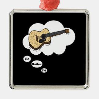 estaría tocando bastante la guitarra acústica ornamentos de reyes