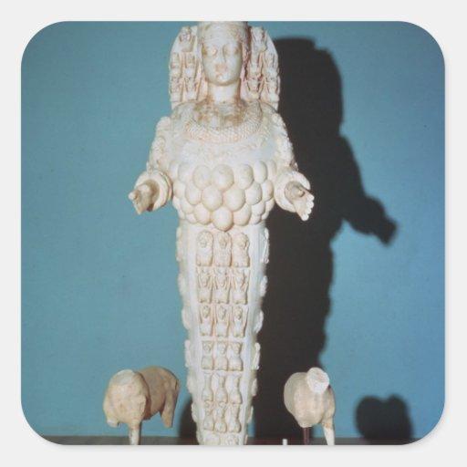 Estatua de Artemis con los perros de caza, c.AD Calcomania Cuadrada Personalizada