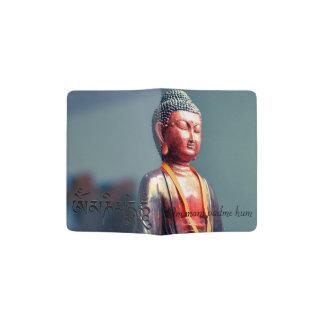 Estatua de Buda y texto del ronquido de OM Mani Portapasaportes