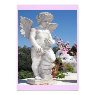 Estatua del ángel en rosa invitación 12,7 x 17,8 cm
