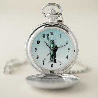 Estatua del reloj de bolsillo azul de la libertad