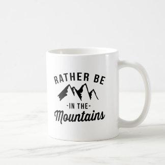 Esté bastante en las montañas taza de café