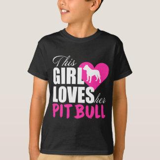 Este chica ama a su Pitbull Camiseta