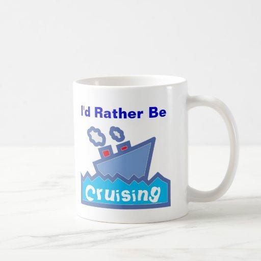 Esté cruzando bastante taza de café