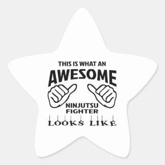 Éste es un qué combatiente impresionante de pegatina en forma de estrella