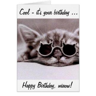 ¡Este gato fresco le desea un feliz cumpleaños! Tarjeta De Felicitación