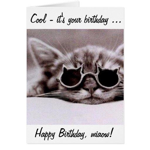 ¡Este gato fresco le desea un feliz cumpleaños! Felicitación