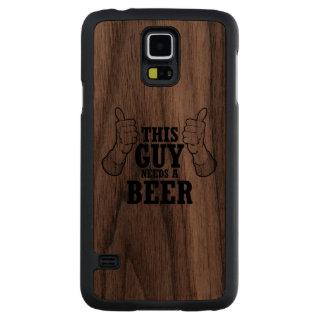Este individuo necesita una cerveza - humor del funda de galaxy s5 slim nogal