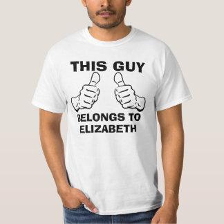 Este individuo pertenece para incorporar nombre camiseta