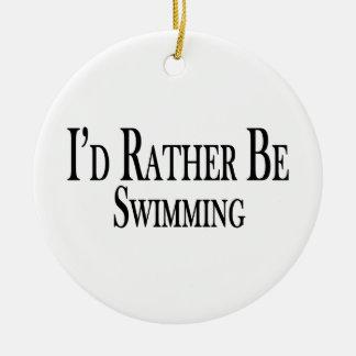 Esté nadando bastante adorno redondo de cerámica