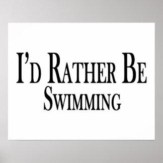 Esté nadando bastante póster