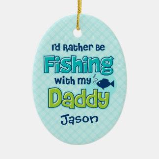 Esté pescando bastante al papá ornatos