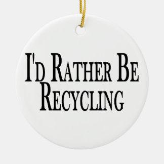Esté reciclando bastante adorno redondo de cerámica