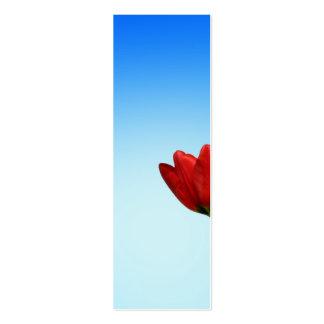 Estética blanca roja de la primavera de los tulipa plantilla de tarjeta personal