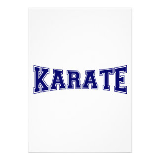Estilo de la universidad del karate invitación