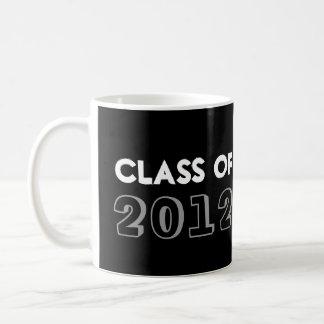 Estilo del indie dibujado en año negro de la clase taza clásica
