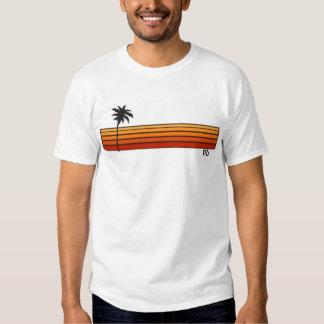 Estilo temprano de la playa 80s del PB (bahía del Camisetas