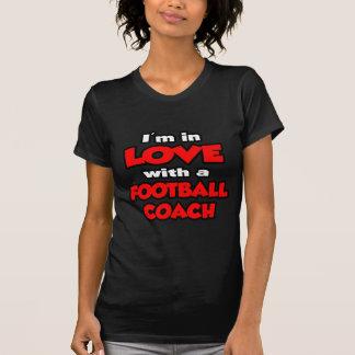 Estoy en amor con un entrenador de fútbol camiseta