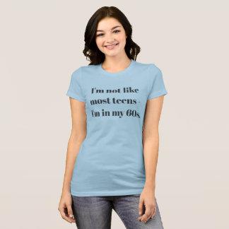 ¡Estoy en mi 60s y todavía me refresco! - Camiseta