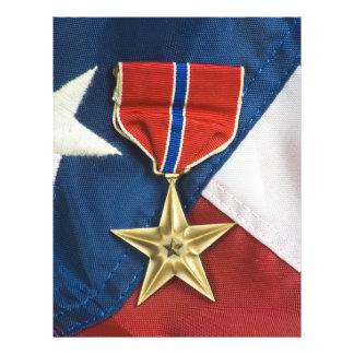 Estrella de bronce en bandera americana folleto 21,6 x 28 cm