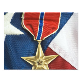 Estrella de bronce en bandera americana invitación 10,8 x 13,9 cm