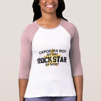 Estrella del rock del muchacho de Capoeira por noc Camisetas