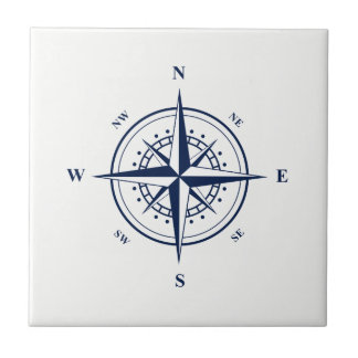 Estrella náutica azul en la baldosa cerámica