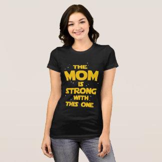 estrellas del friki de la camisa de la mamá de la
